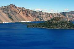 Crater See, Zauberer-Insel Stockbilder