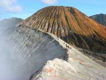 Cratera da montagem Bromo foto de stock