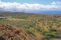 Cratera de Diamondhead com cabeça de Koko na distância Foto de Stock Royalty Free