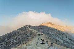 Cratera de Kawah Ijen, ilha de Java, INDONÉSIA Foto de Stock