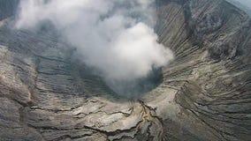 Cratera do vocalno de Bromo, East Java, Indonésia, vista aérea video estoque