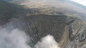 Cratera do vocalno de Bromo, East Java, Indonésia, vista aérea vídeos de arquivo