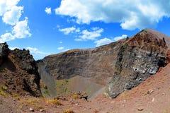 Cratera do vulcão do Vesúvio ao lado de Nápoles, Itália foto de stock
