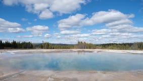 Cratera excelsior do geyser no parque nacional de Yellowstone imagens de stock