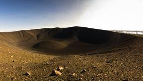 Cratera vulcânica de Hverfjall perto do lago Myvatn em Islândia Fotografia de Stock Royalty Free