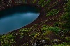 Cratera vulcânica de Kerid em Islândia, Europa imagem de stock royalty free