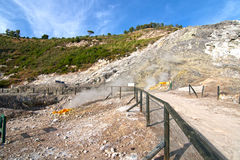Cratera vulcânica do Solfatara Foto de Stock