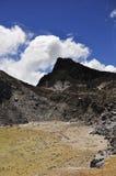 Cratere 2 del vulcano di Gunung Sibayak Immagine Stock