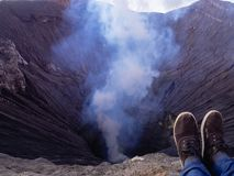 Cratere del Mt Bromo un vulcano in Java, Indonesia immagine stock
