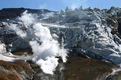 Cratere del vulcano di Mutnovsky Fotografia Stock
