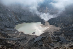 Cratere del vulcano di Tangkuban Perahu Fotografia Stock