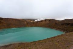 Cratere di Viti con l'interno verde del lago dell'acqua, Islanda immagine stock libera da diritti