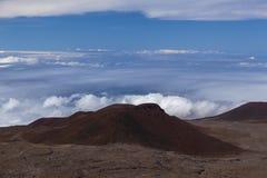 Cratere vulcanico alla sommità di Kea di mauna Fotografia Stock