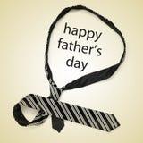 Cravate et jour de pères heureux de phrase Images stock