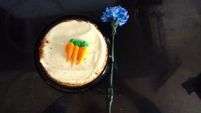 Cravo do azul do bolo de cenoura Imagem de Stock Royalty Free
