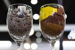 Cray och gula Pr-zircon pigment för boll Arkivfoton