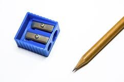 Crayon avec l'affûteuse image stock