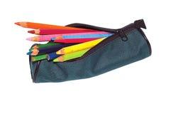 Crayon-boîtier avec des crayons. Photographie stock libre de droits