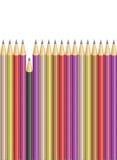 Crayon cassé parmi les crayons pointus illustration de vecteur