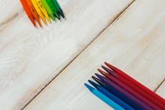 Crayon coloré sur la table blanche Images stock