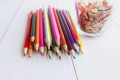 Crayon d'aspiration dans un carnet Photographie stock