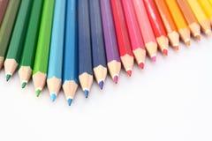 Crayon de couleur sur la flèche d'étage photos stock