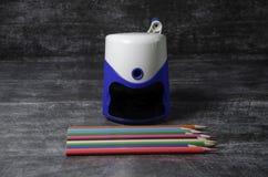 Crayon et affûteuse photo libre de droits