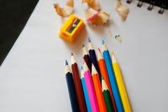 Crayon et affûteuse Photographie stock libre de droits
