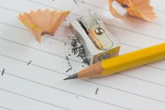 Crayon et affilé images stock
