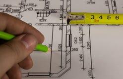 Crayon et plan de maison Photos libres de droits
