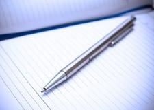Crayon lecteur argenté de plan rapproché Images stock