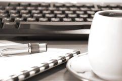 Crayon lecteur et clavier Photographie stock libre de droits