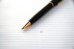 Crayon lecteur et papier. Image stock
