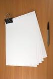 Crayon lecteur et papiers Photo stock