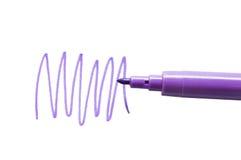 Crayon lecteur feutre lilas d'isolement sur le fond blanc Image stock