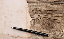 Crayon lecteur sur le vieux papier photo stock