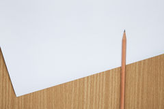 Crayon sur la table, l'instrument de blogger images libres de droits