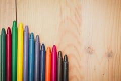 Crayon sur le fond en bois Photographie stock libre de droits