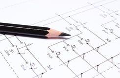 Crayon sur les diagrammes électriques Photo stock