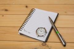 Crayon sur un carnet Photos libres de droits