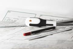 Crayon, tournevis et règle Images libres de droits