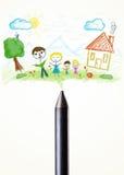 Crayonnez le plan rapproché avec un dessin d'une famille Photographie stock