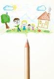 Crayonnez le plan rapproché avec un dessin d'une famille Photo libre de droits
