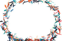 Crayonnez les copeaux sur une feuille de papier blanche Photos stock
