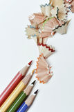 Crayons карандаша и shavings других цветов Стоковые Изображения