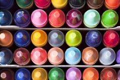 коробка crayons взгляд сверху Стоковая Фотография RF