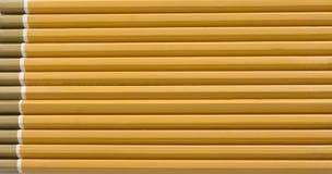 Crayons alignés Images libres de droits