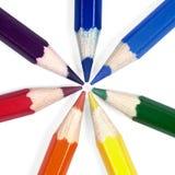 Crayons avec des couleurs d'arc-en-ciel Photos stock