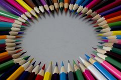 Crayons colorés colorés Image libre de droits