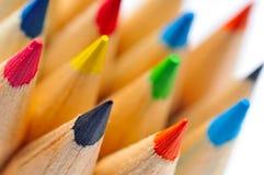 Crayons colorés contre le blanc photos libres de droits